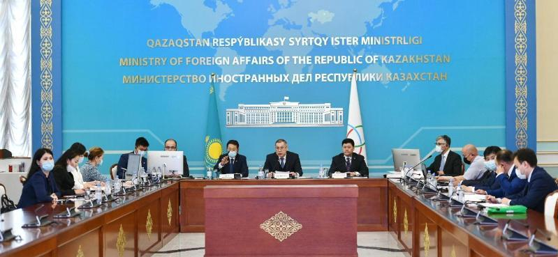 哈萨克斯坦主持召开亚信高官委员会会议