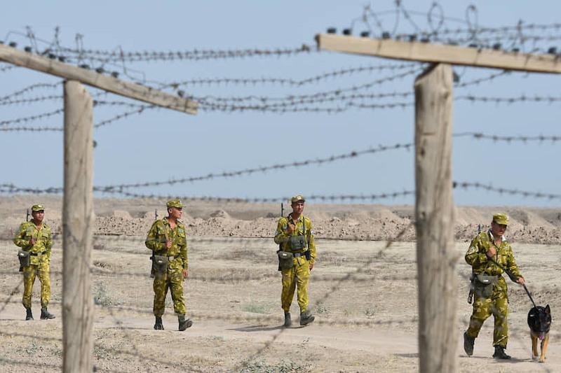 Афганские военнослужащие с оружием перешли на территорию Узбекистана