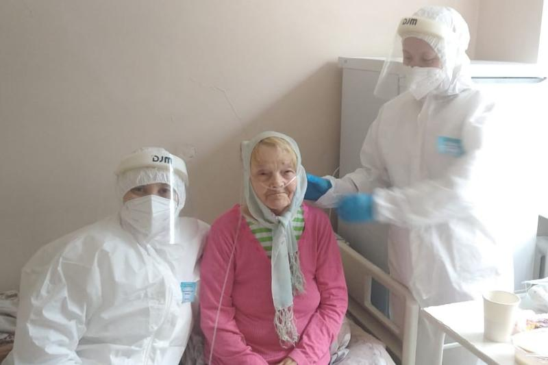 91-летнюю бабушку вылечили от коронавируса в Нур-Султане