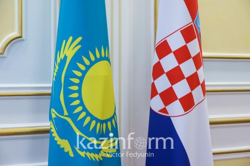 哈萨克斯坦独立30周年圆桌会议在克罗地亚举行
