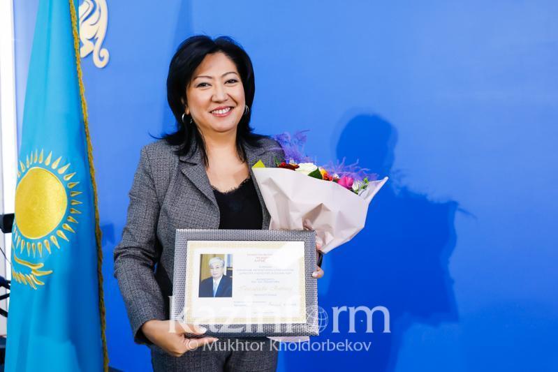 哈萨克国际通讯社总编被授予总统感谢函