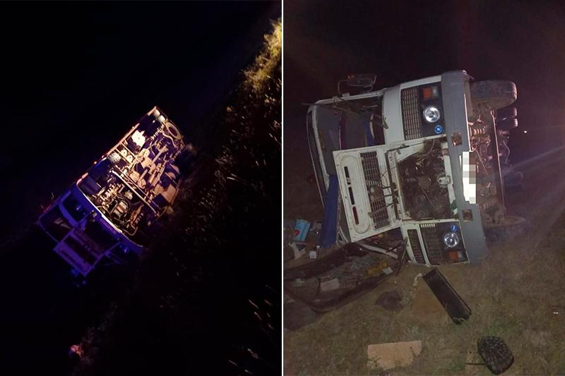 Ақтөбе облысында автобус аударылып, үш адам ауруханаға түсті