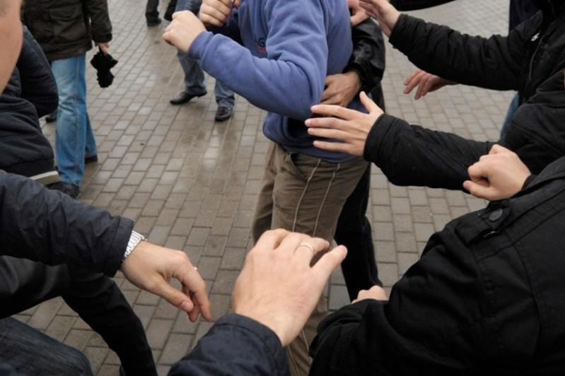 Оралда жаппай төбелес болып, бес адам полицияға жеткізілді