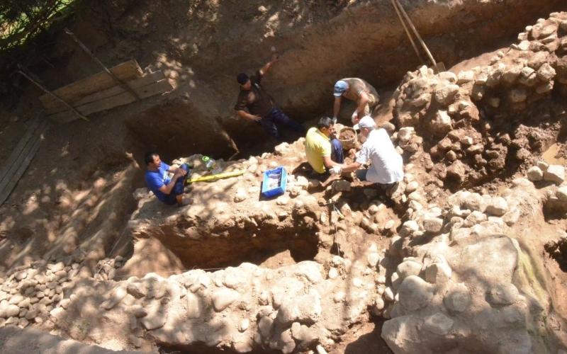 Túrkistan oblysynda úıdiń aýlasynan X-XI ǵasyr eskertkishi tabyldy