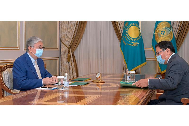 President receives governor of National Bank