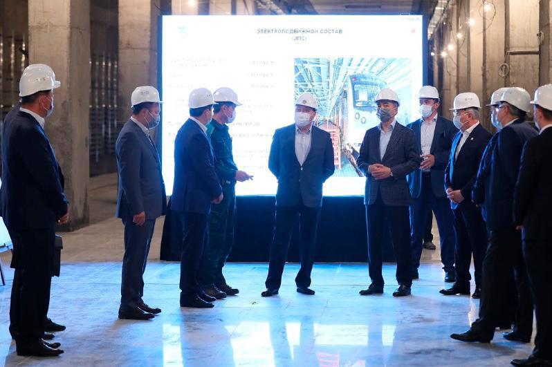 政府总理视察阿拉木图地铁二期工程