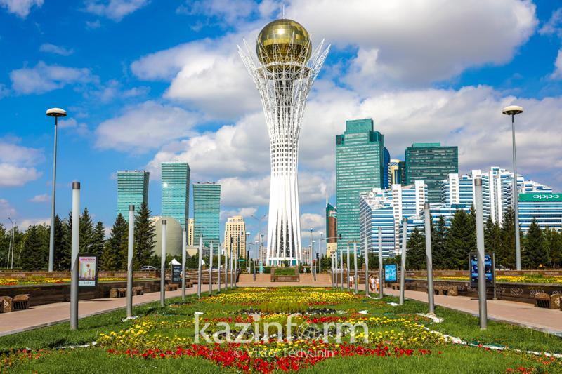 Тәуелсіздік құрдастарымен кездесу: Астананың дамуы жастарға үлкен перспектива ашты