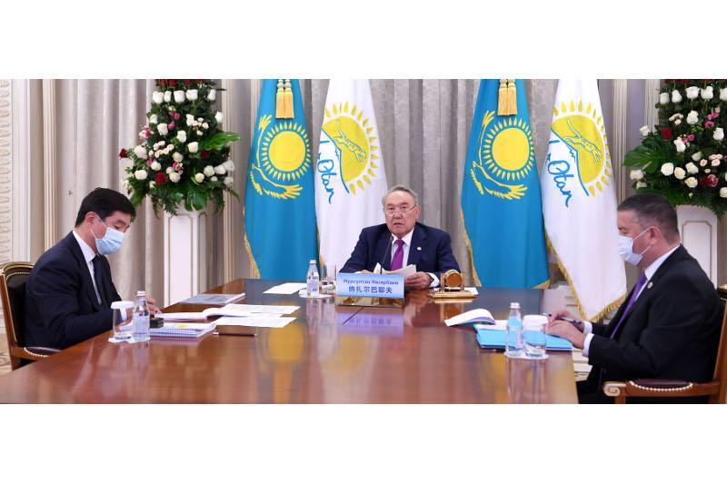 Nursultan Nazarbaev álemdik saıası partııalar kóshbasshylarynyń sammıtine qatysty