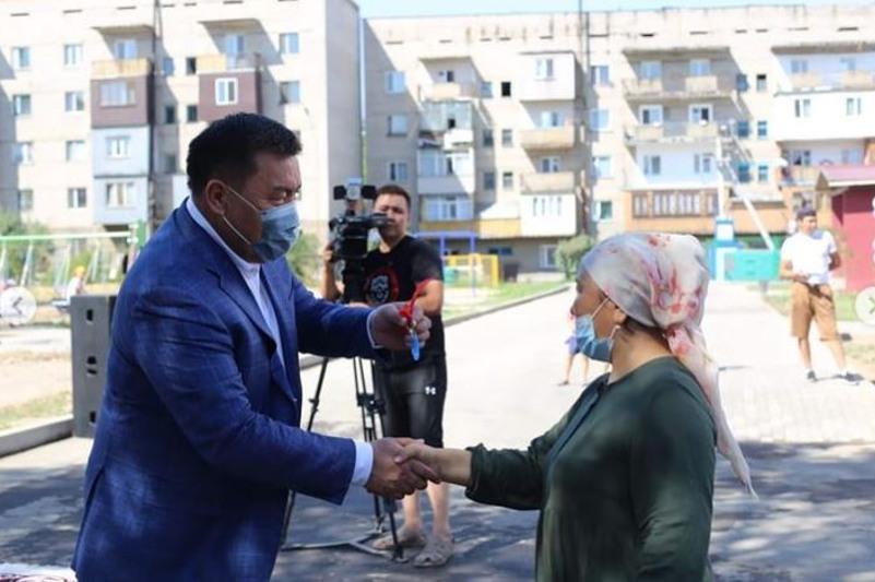 30 семей получили ключи от квартир в Есике