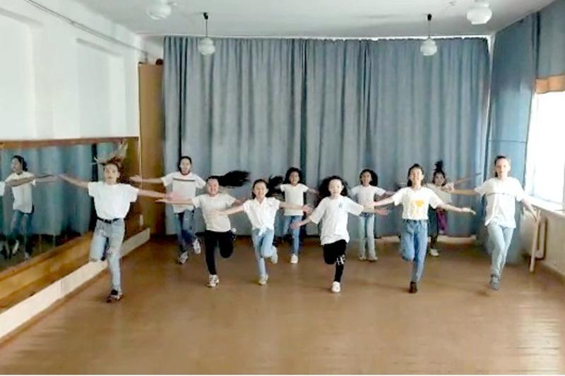 Павлодарским детям пришлось делать «Шаг вперёд»