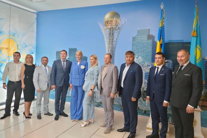 哈萨克斯坦驻第聂伯罗彼得罗夫斯克名誉领事馆开馆