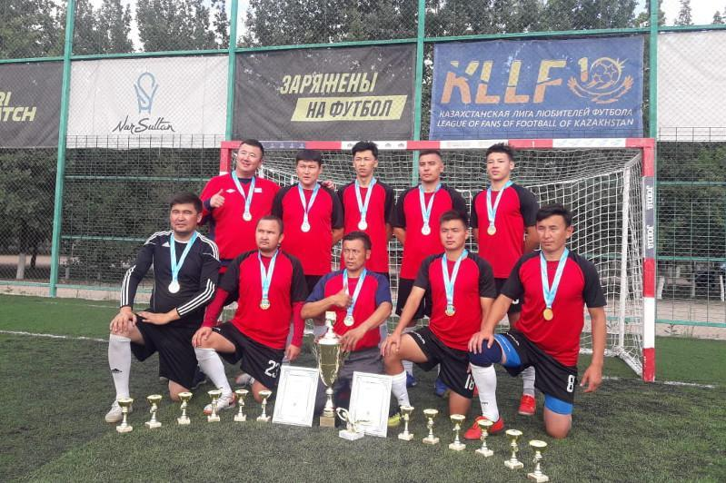 庆祝独立30周年 归国哈侨间足球赛在首都举行