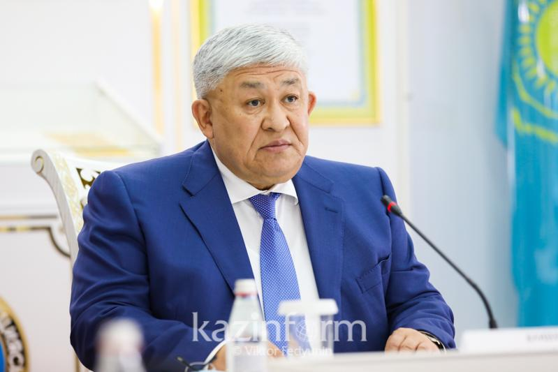 Қырымбек Көшербаев шетелде кадр даярлау жөніндегі комиссияның отырысын өткізді