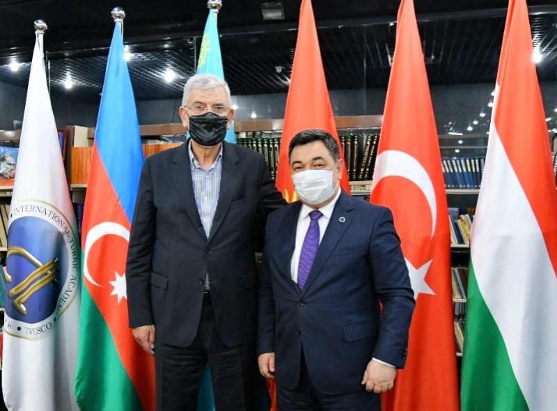 国际突厥研究院院长克德尔艾里会见联合国大会主席博兹基尔