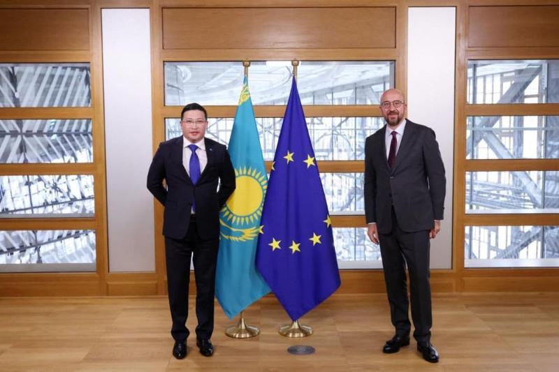 Посол Казахстана вручил верительные грамоты президенту Европейского совета