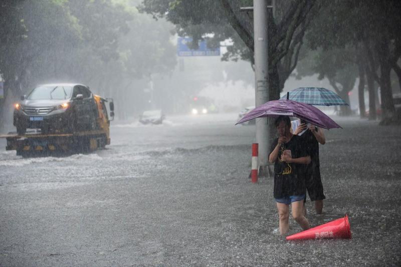 Желтый уровень опасности объявили в Пекине из-за надвигающихся ливней