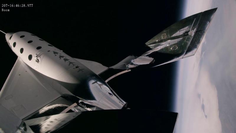 Британский миллиардер первым в мире совершил суборбитальный космический полет
