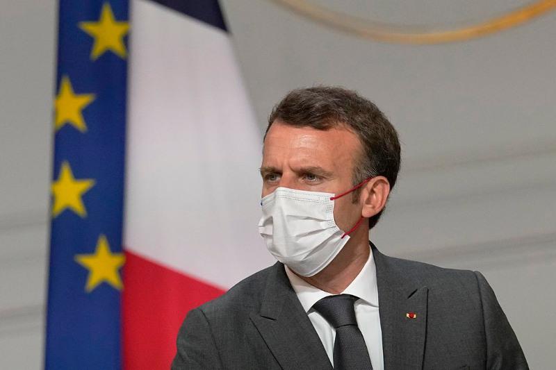 Президент Франции сделал обращение к населению в связи с распространением дельта-штамма COVID-19