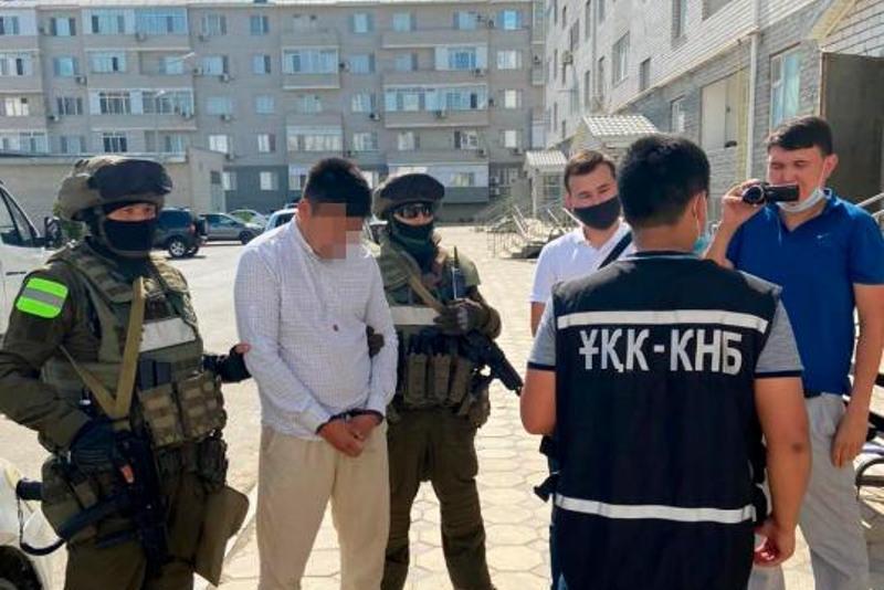 Вымогали деньги у водителей маршруток: преступная группа раскрыта в Атырауской области