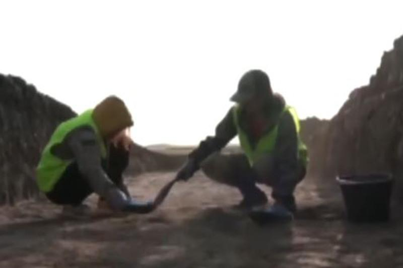 Древний бронзовый топор обнаружили в Акмолинской области