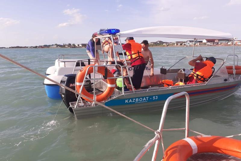 Отдыхающим на Алаколе оказали помощь спасатели