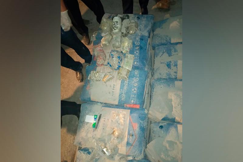 Наркотики со шприцами пытались передать в колонию Кызылорды