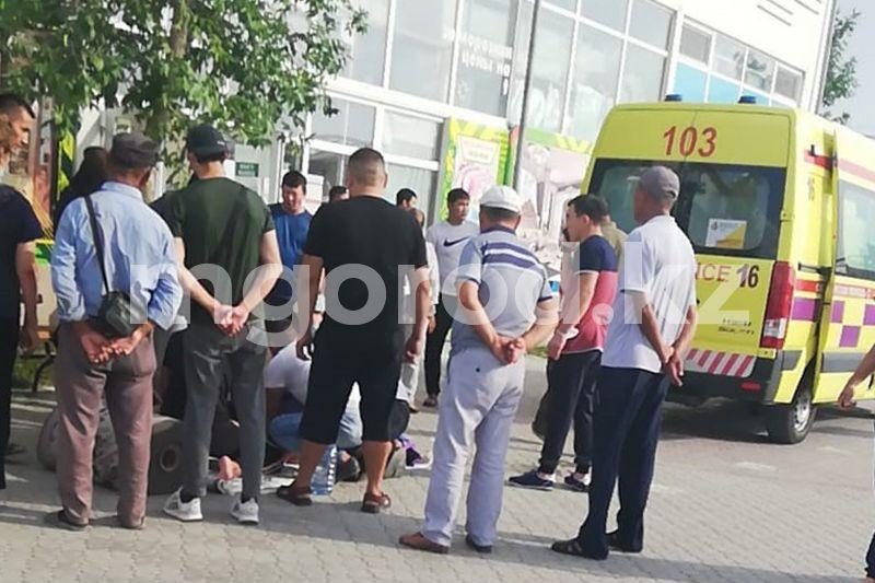 За симуляцию судорог после вакцинации привлекут к ответственности иностранца в Атырау