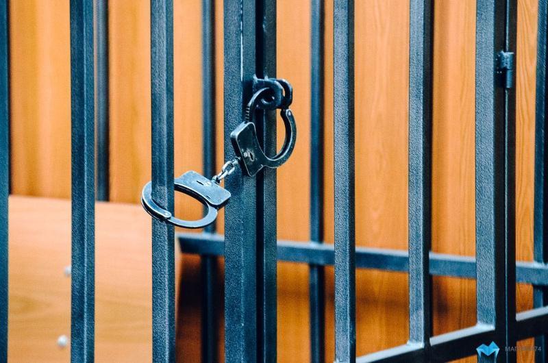 Пара алу, есірткі жасау, қамау: Алматы облысында қызметін асыра пайдаланған 5 полицей сотталды