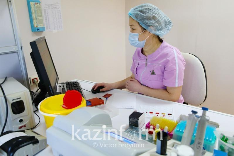 885 new COVID-19 cases, over 7,000 get vaccine in Almaty