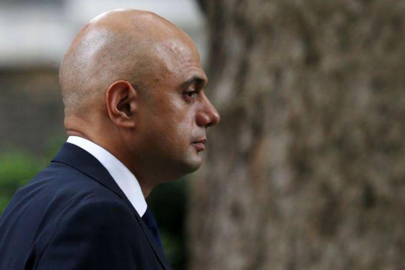 Британия денсаулық сақтау министрі індет жұқтырды, Испания түнде далаға шығуға тыйым салды