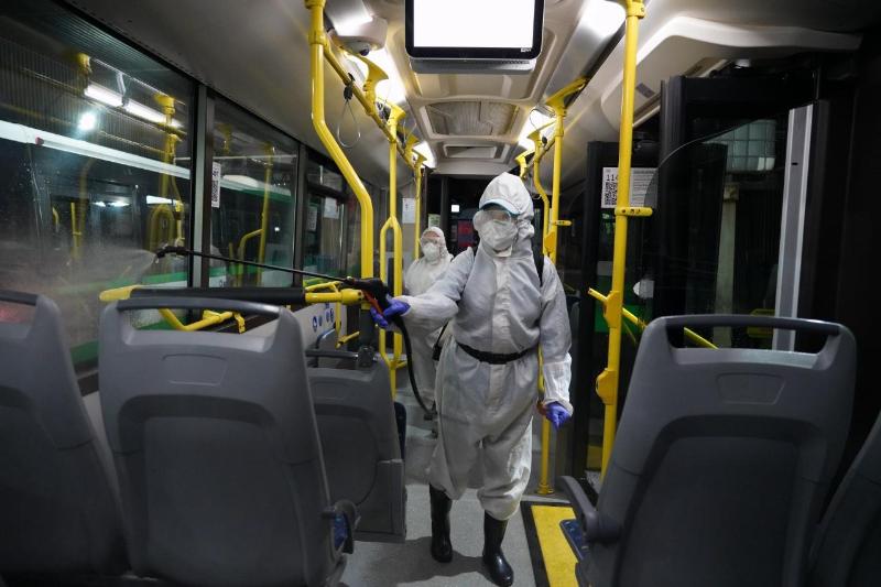 Elorda avtoparkterinde aýqymdy dezınfektsııa júrgizildi