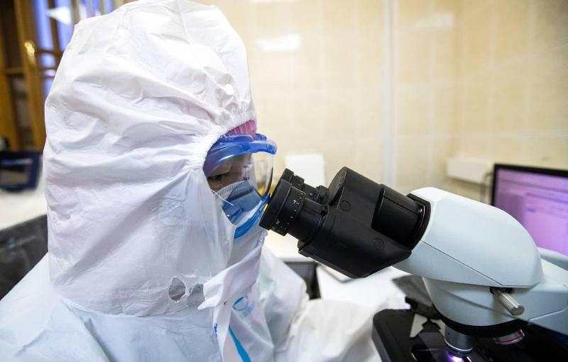 60% россиян обрели коллективный иммунитет к коронавирусу, заявил эксперт
