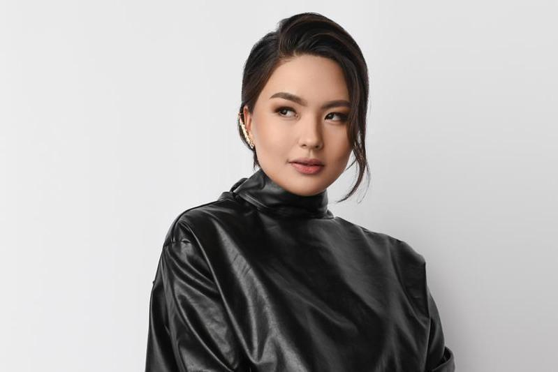 哈萨克斯坦歌手茹哈娅荣获第三十届斯拉夫集市艺术节总冠军