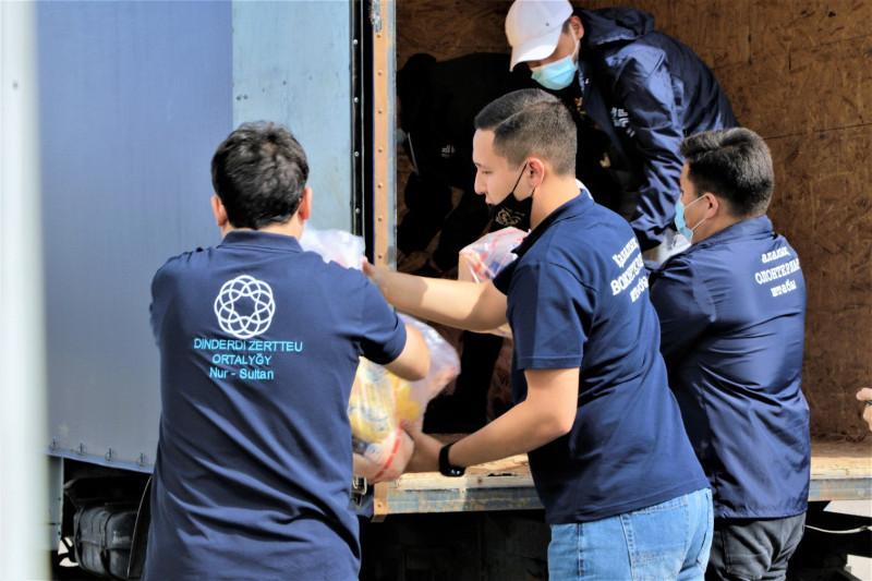 Нуждающимся жителям столицы развозят жертвенное мясо в Курбан айт