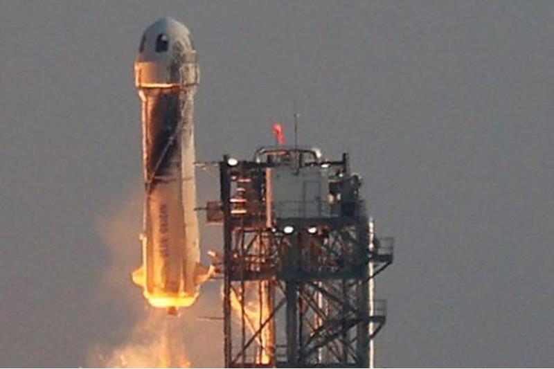 Әлемдегі ең бай адамдардың бірі Джефф Безос ғарышқа ұшты