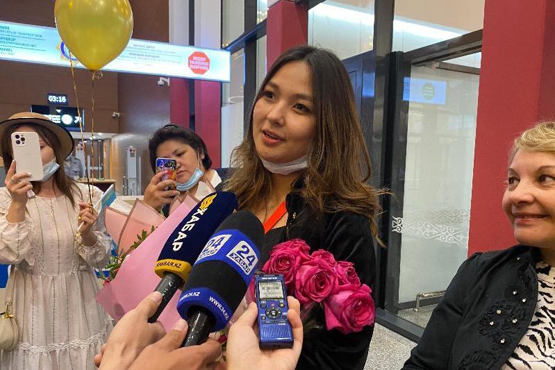 Победительница «Славянского базара» прилетела в столицу