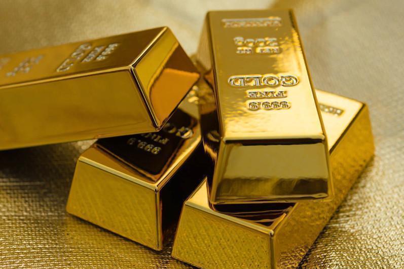 哈国二级银行6月份向公民售出黄金124公斤