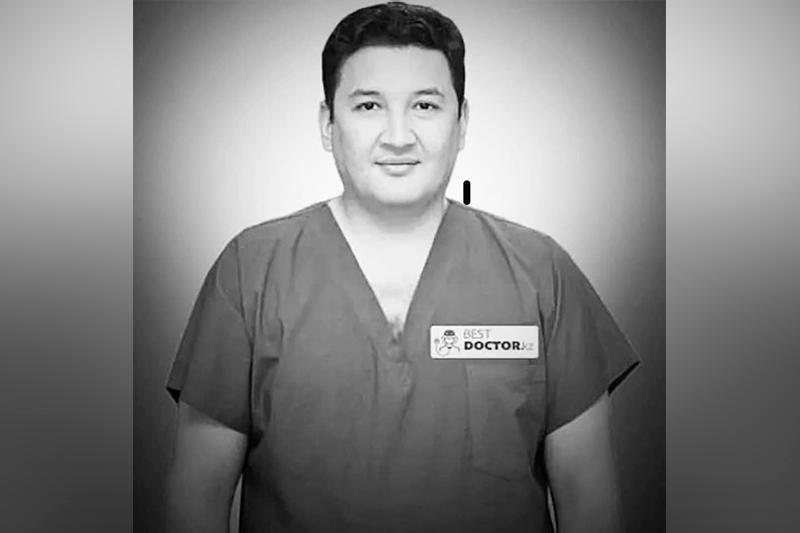 总统致信对著名心脏外科医生别克博森诺夫逝世表慰问