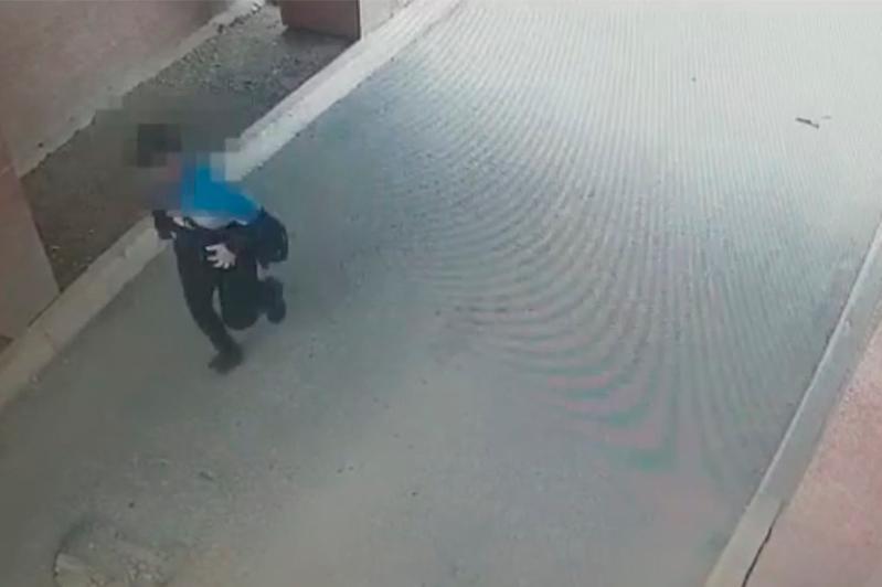 Житель пригорода с игрушечным пистолетом ограбил ломбард в Нур-Султане