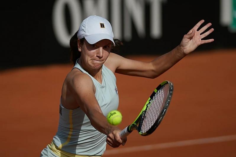 哈萨克斯坦网球选手晋级WTA系列波兰赛事双打第二轮