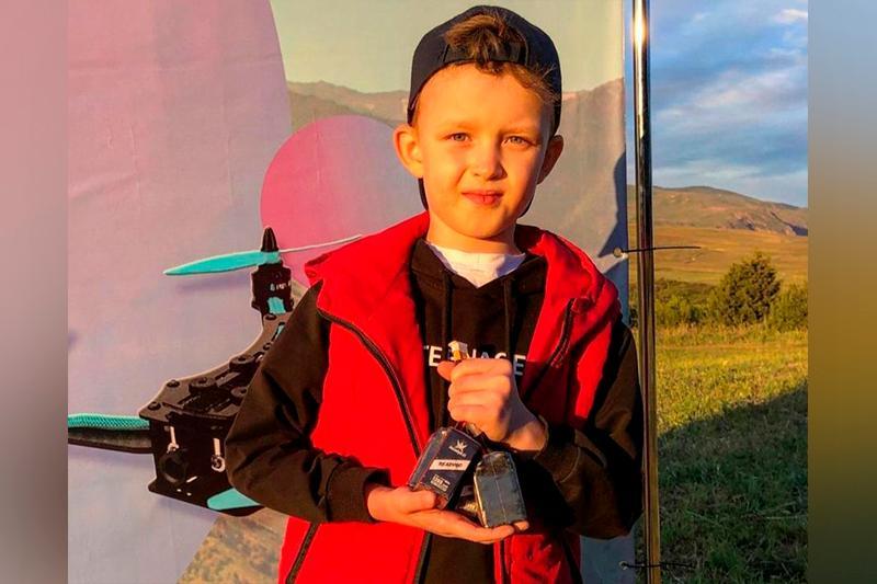 Восьмилетний карагандинец стал вторым на республиканских гонках на дронах