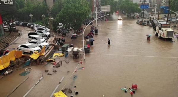 中国河南暴雨已经造成25人死亡 7人失联