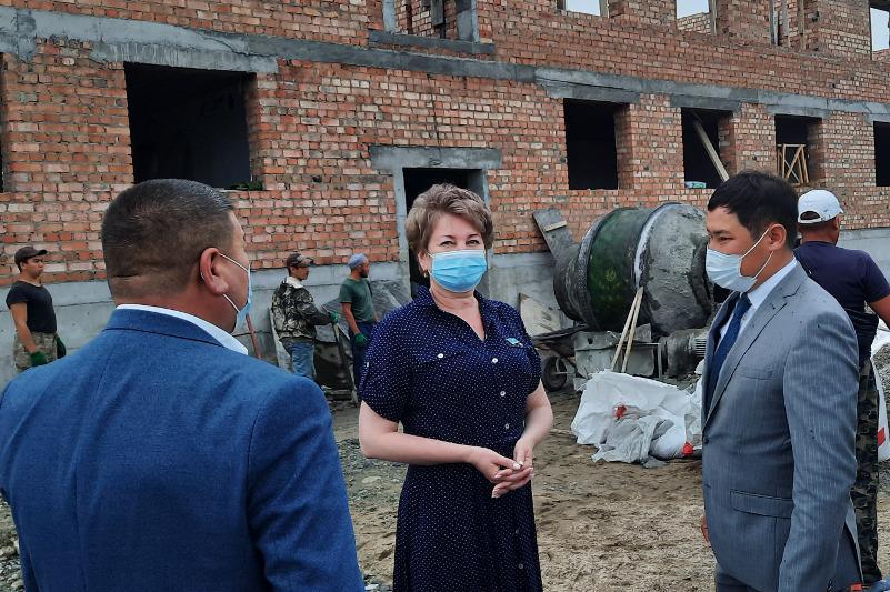 Сенатор Ольга Булавкина встретилась с сотрудниками медучреждений ВКО
