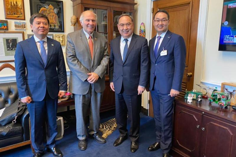 Kazakhstan President's Special Representative Erzhan Kazykhan pays visit to U.S.