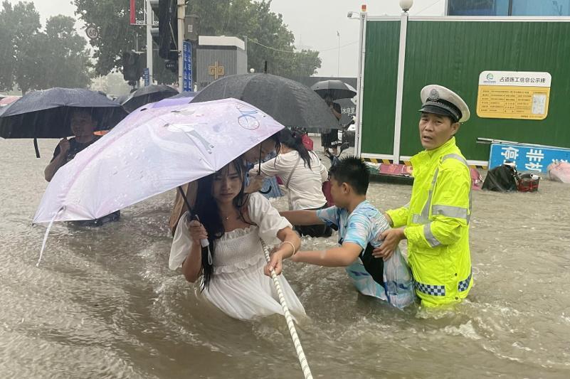 中国河南省强降雨已致33人死亡 8人失踪