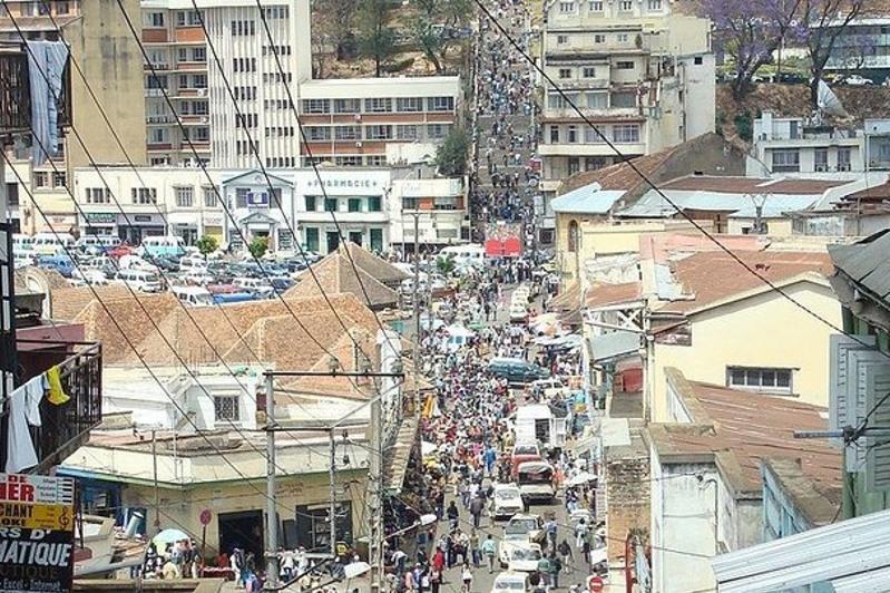 Мадагаскар президентига қилинган суиқасднинг олди олинди
