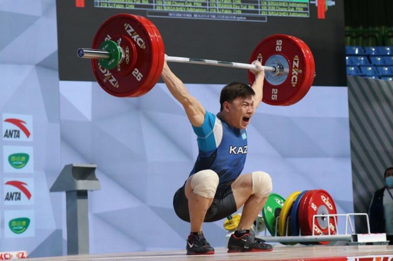Определены соперники казахстанских тяжелоатлетов на Олимпийских играх