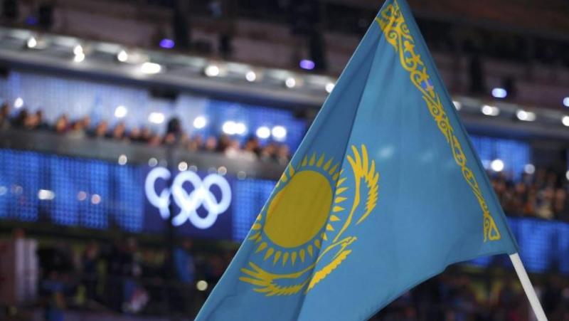 都有哪些运动员曾经担任过哈萨克斯坦奥运代表团旗手?