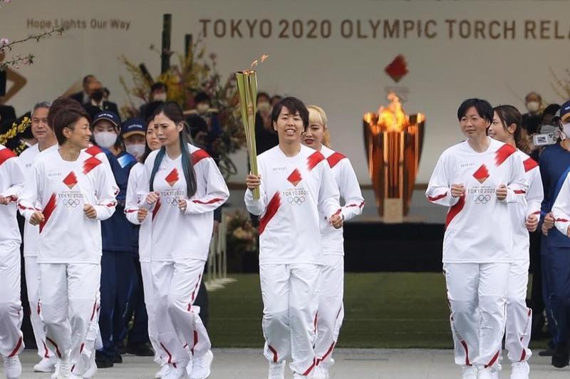东京奥运圣火传递仪式结束