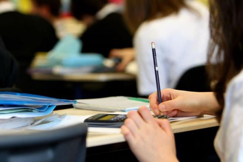 匈牙利政府为哈萨克斯坦留学生提供200个大学公费名额